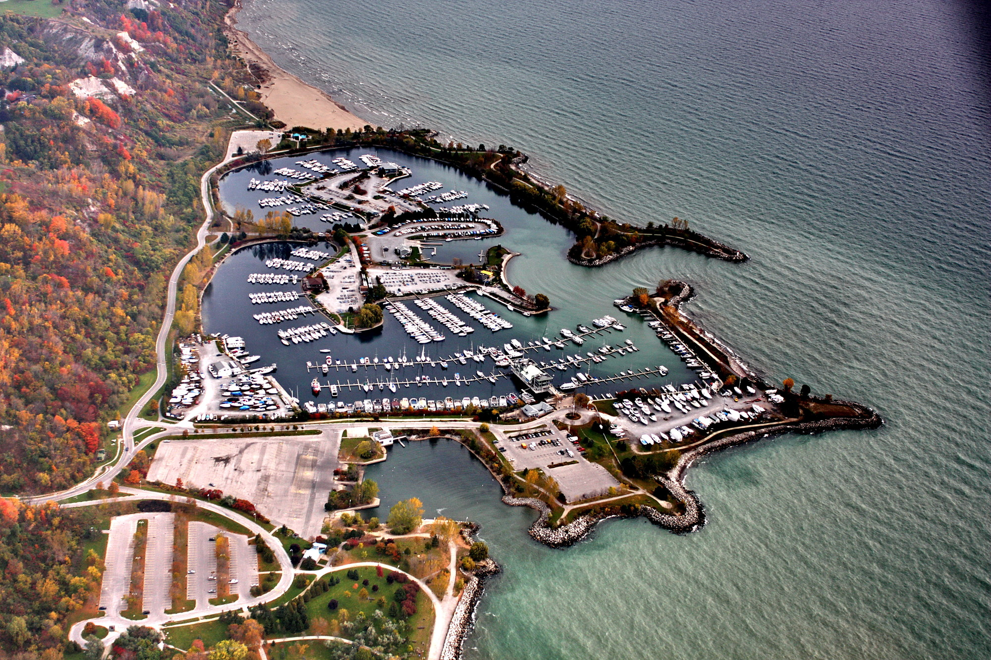 An aerial photograph of Bluffer's Park, October 2008